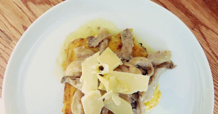 Grillowana polenta z grzybami